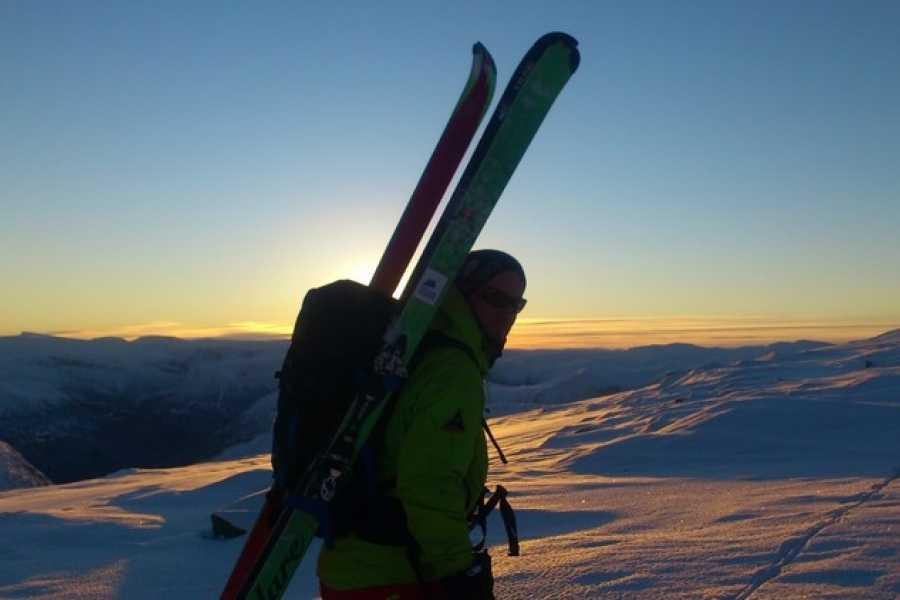 Contrast Adventure Norway Avalanche course Storlidalen