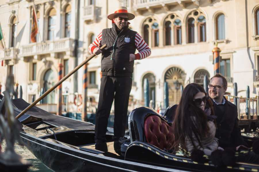 Venice Tours srl Serenata privata in gondola