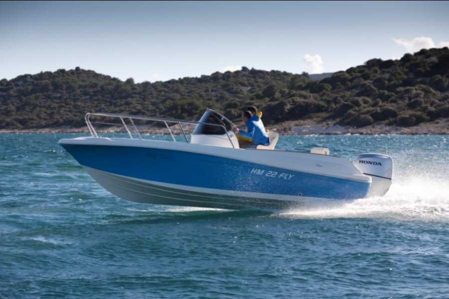"""Travel Agency"""" South Tours"""" SPEED BOAT: HM 22  FLY(SUNDECK) FROM TROGIR"""