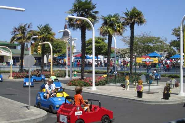 (LG1) Legoland California + Round Trip Transfer