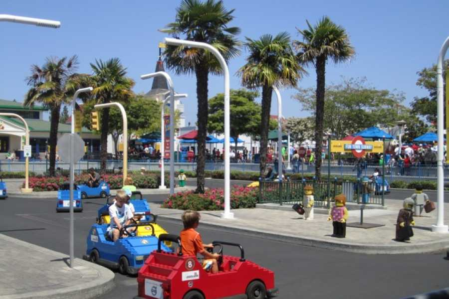 Dream Vacation Builders (LG1) Legoland California + Round Trip Transfer
