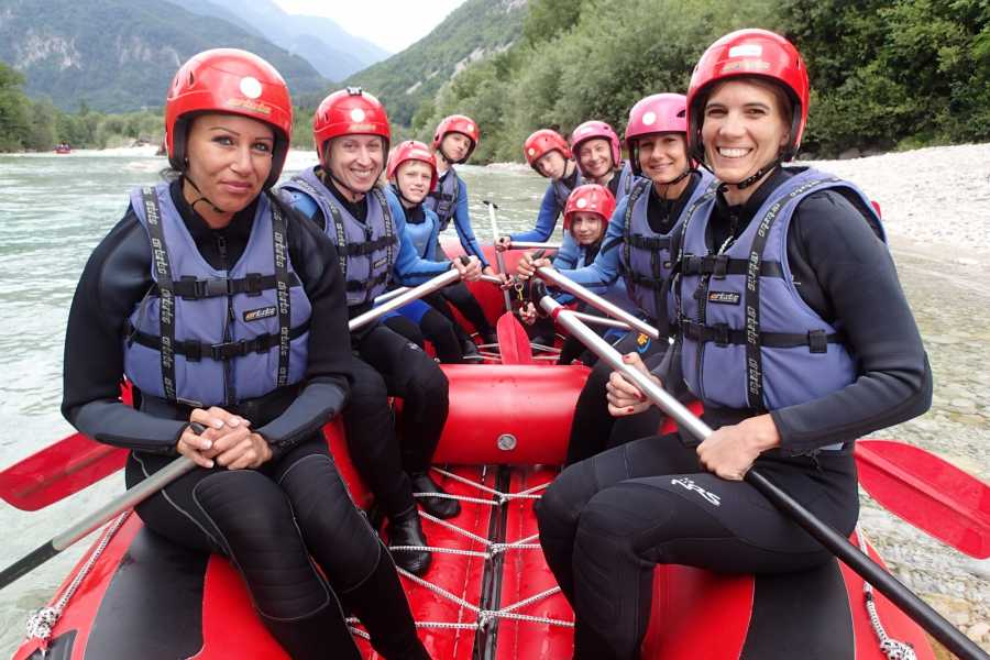 HungaroRaft Kft VIII. Rafting Boot Camp