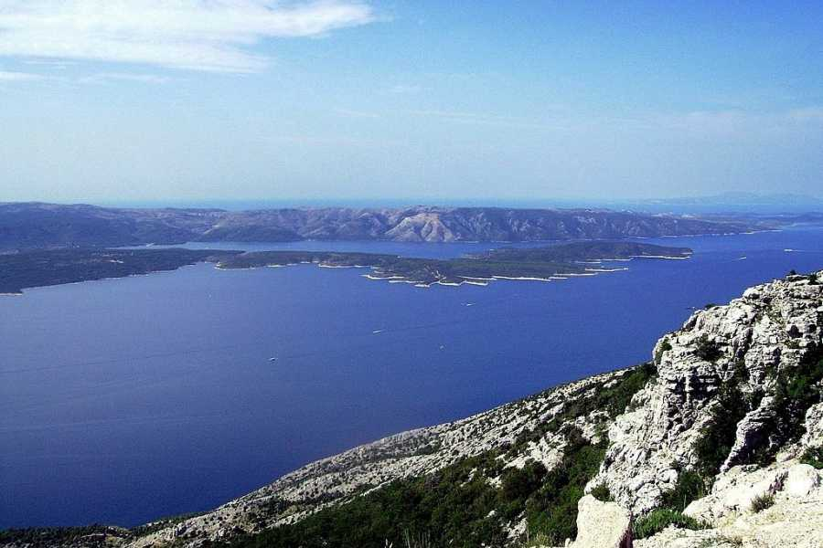 "Travel Agency"" South Tours"" Speedboat trip to the Island of Brač, Hvar and Pakelni Islands from Split"
