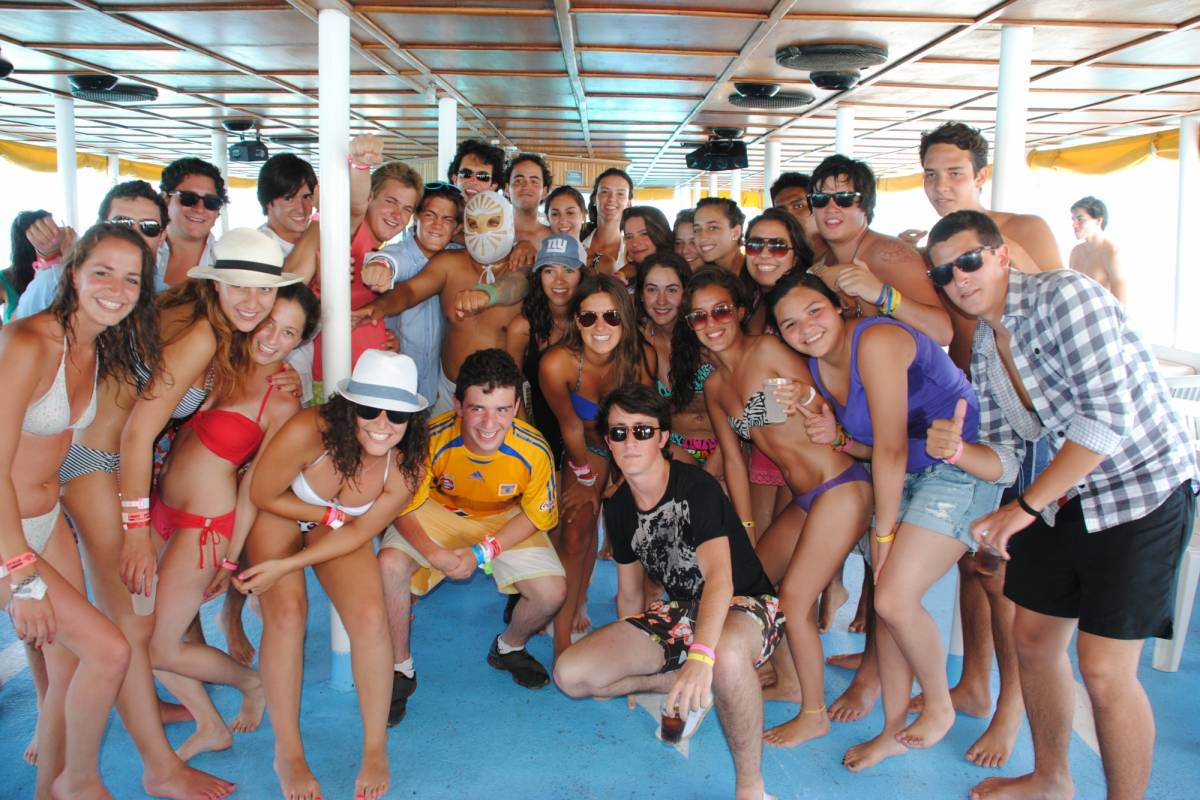 Cancun Vacation Experts DANCER CATAMARÁN BÁSICO