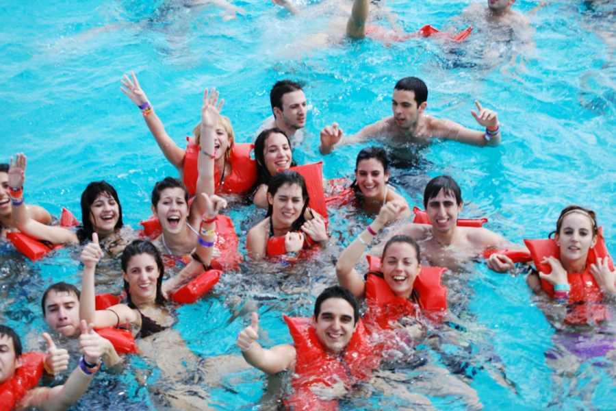Cancun Vacation Experts DANCER CATAMARÁN + ESNÓRQUEL