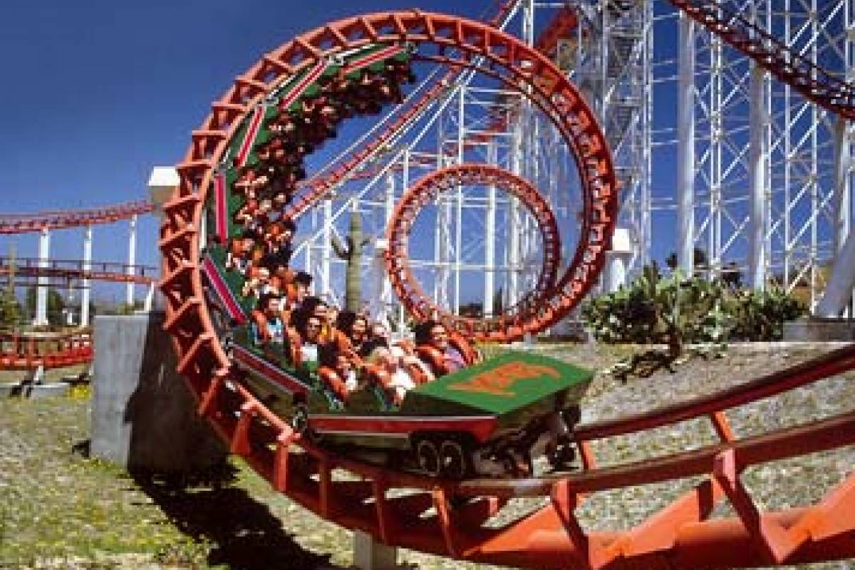 Dream Vacation Builders 1 Day Six Flags Magic Mountain Admission