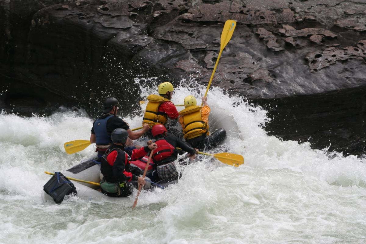 West Virginia Adventures Upper Gauley Extreme, Class V (Fall)