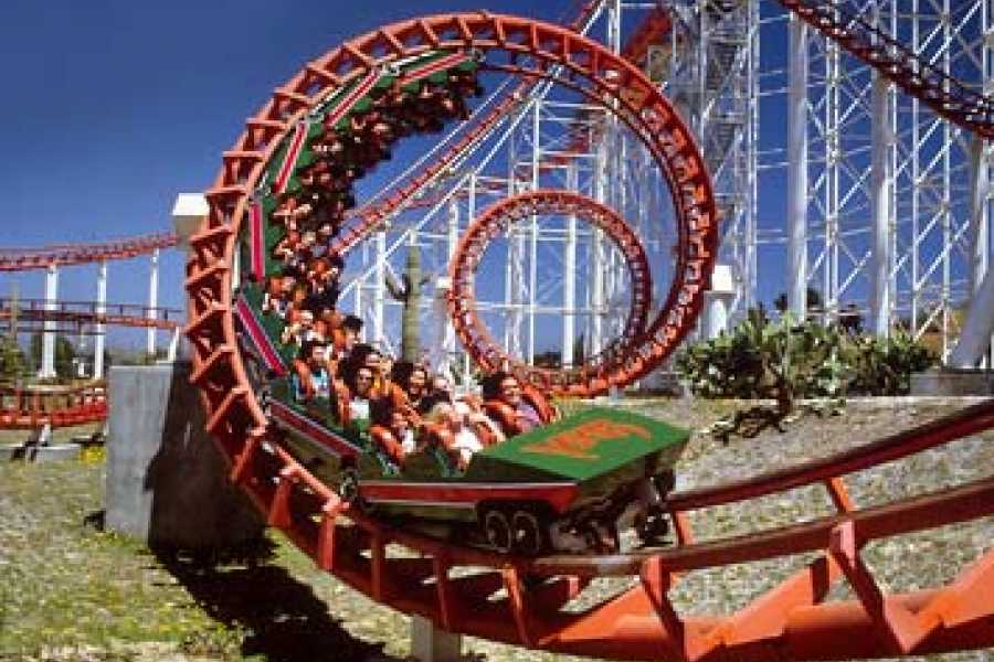 Dream Vacation Builders Six Flags Magic Mountain from L.A.