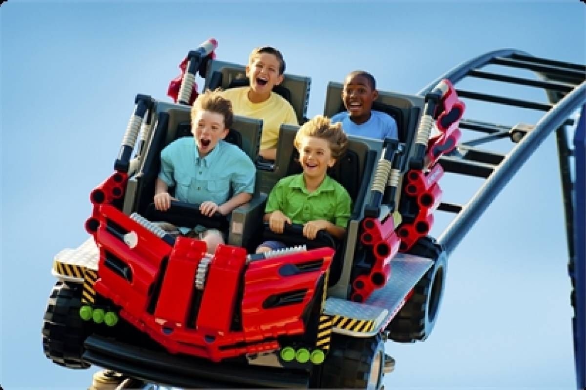 Dream Vacation Builders Legoland California + Transfers From LA