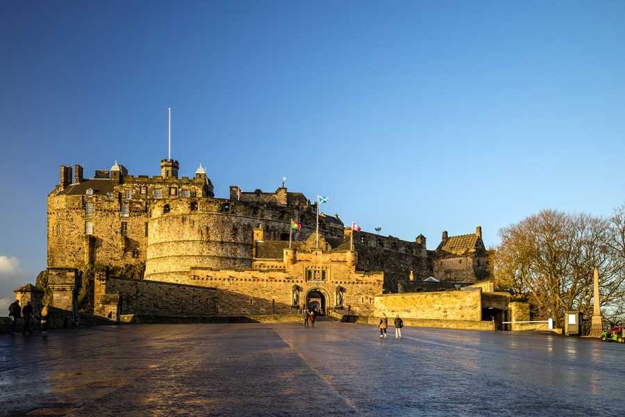 SANDEMANs NEW Edinburgh Tours Edinburgh Castle Walking Tour