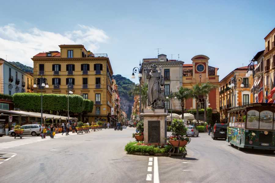 Travel etc Transfer da Sorrento per porto/stazione/hotels o Viceversa