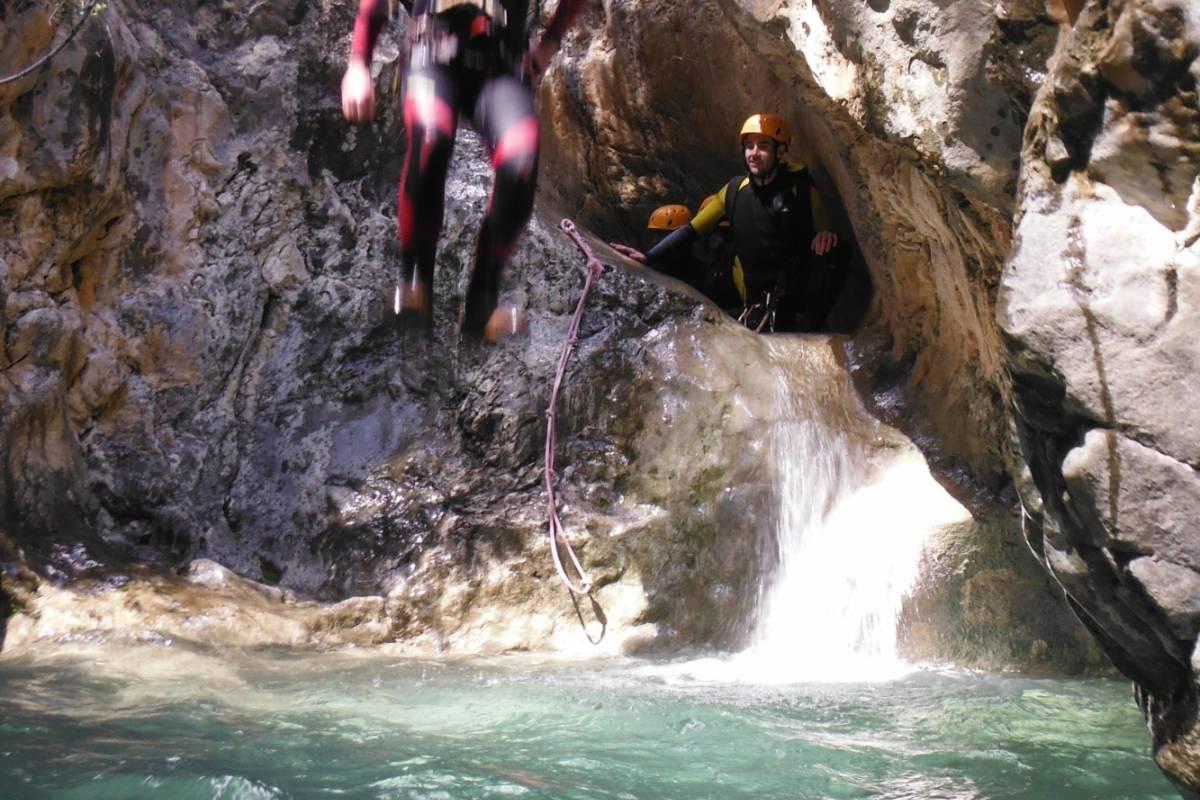 TURURAC. Turismo Activo y de Aventura BARRANCO MELA. ABDET
