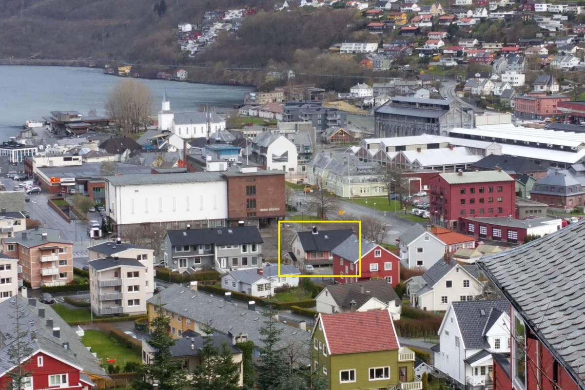 Stana Gard Super central Apartment  in Odda, lower floor. 1-4 persons