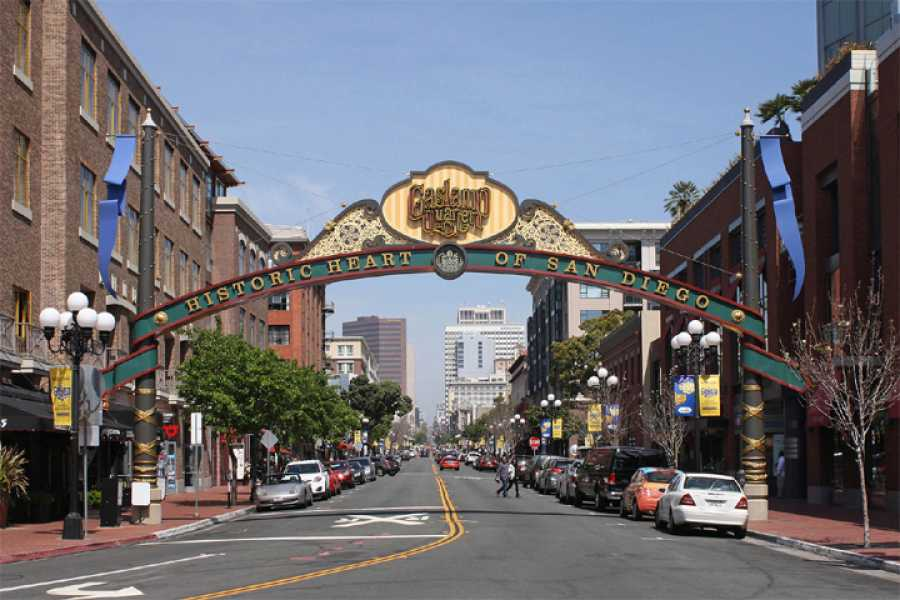 Dream Vacation Builders San Diego City and Shopping Tour