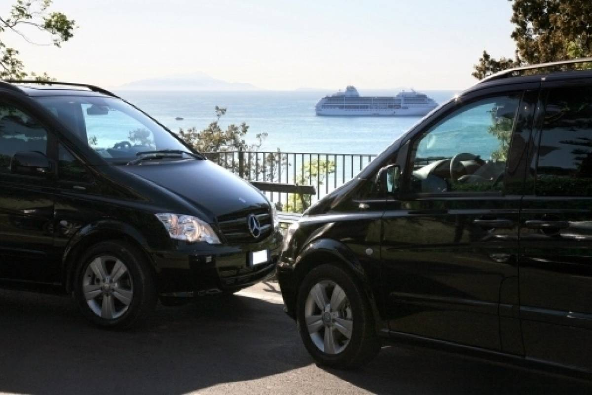 Travel etc Transfer from Positano to Pompeii and Viceversa