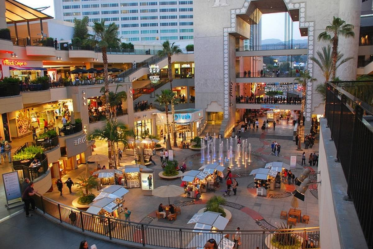 Dream Vacation Builders Los Angeles Grand City + Madame Tussauds Hollywood From Los Angeles