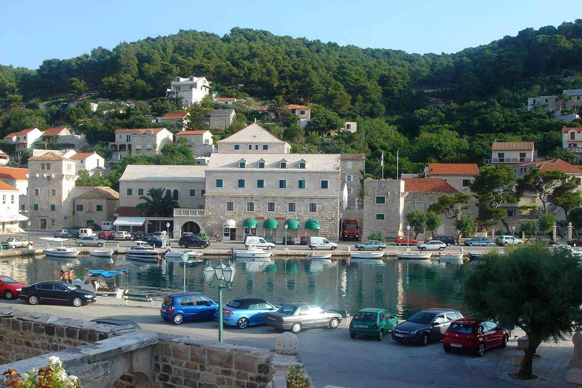 Sugaman Tours Blue Lagoon Island Brac Tour from Omis