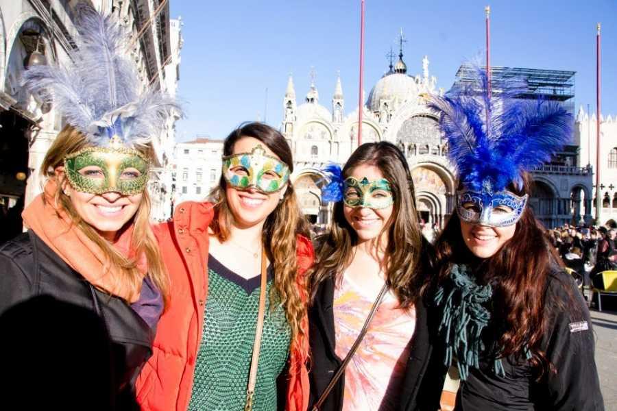 Bus2Alps AG Rome 2 Florence & Venice Carnevale