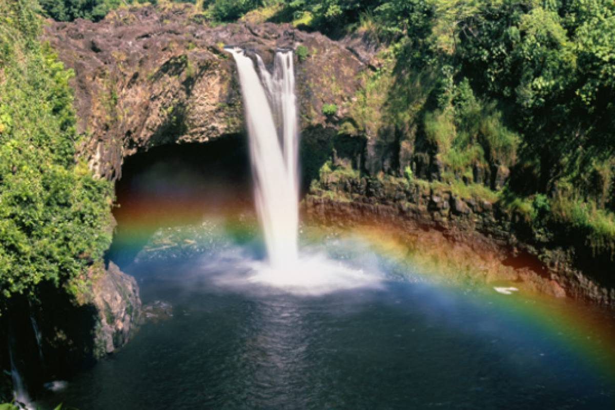 Dream Vacation Builders Helicopter Hilo: Volcanoes & Waterfalls