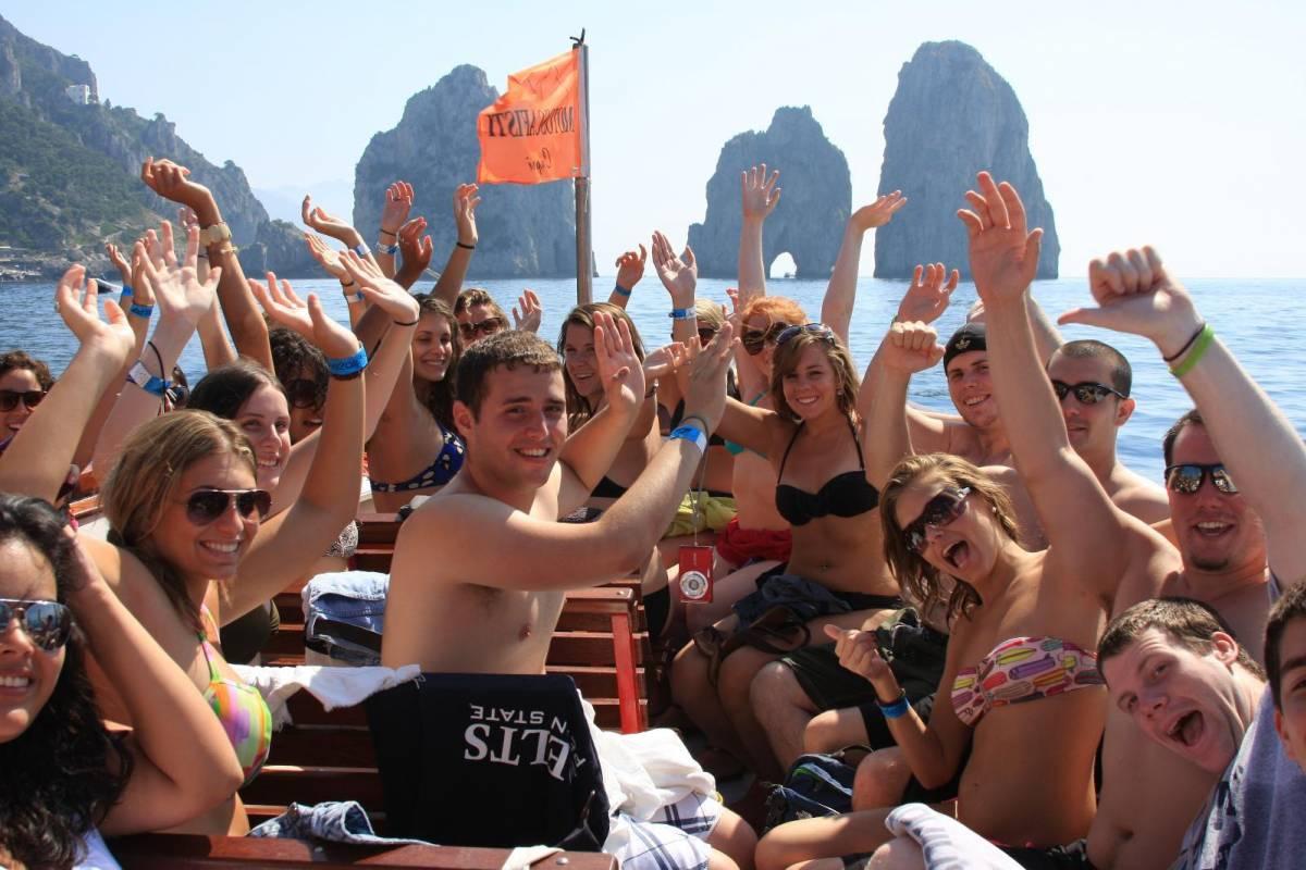 Bus2Alps AG The Amalfi Coast Long Weekend- Blue Route