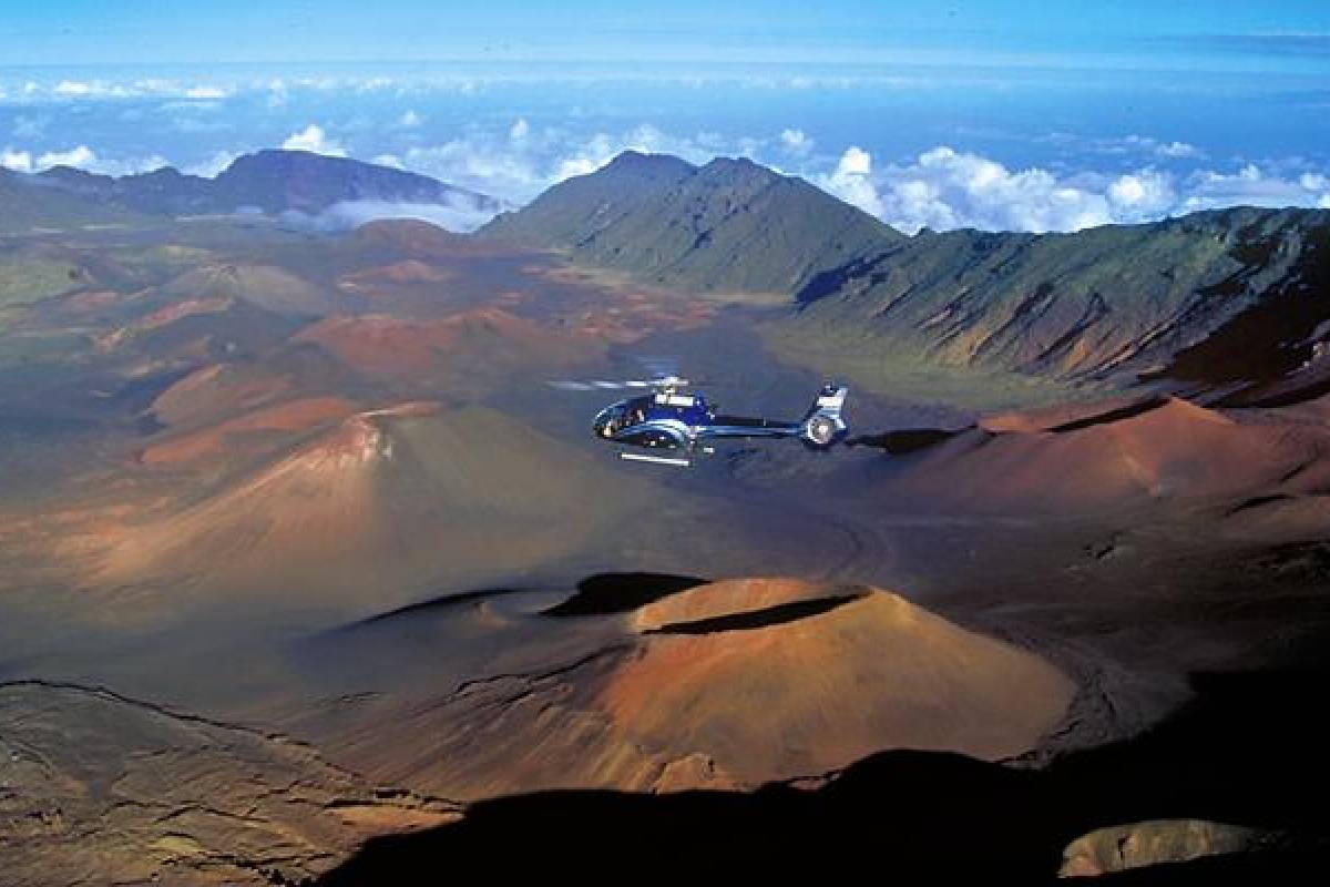 Dream Vacation Builders Blue Hawaiian Hana/Haleakala Tour