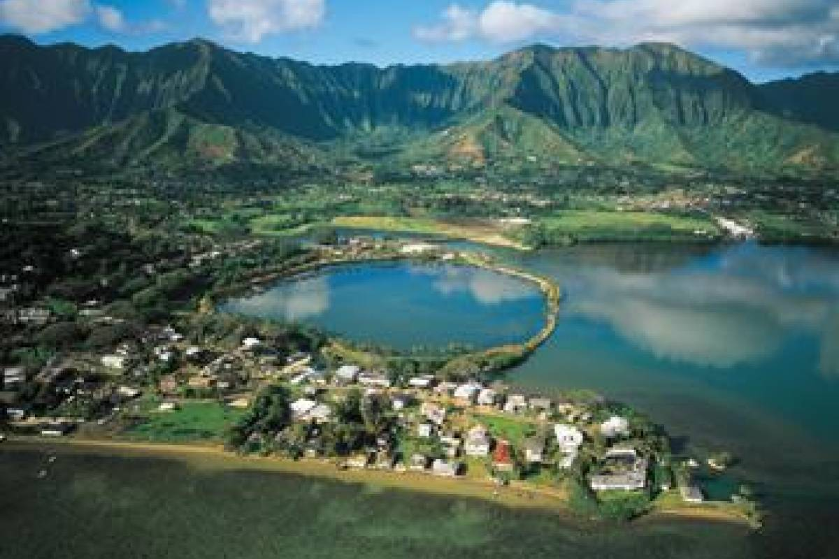 Dream Vacation Builders Makani Kai: Hidden Oahu Tour