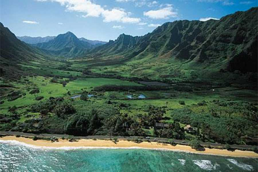 Dream Vacation Builders Makani Kai: The Ali'i Sacred Falls Tour