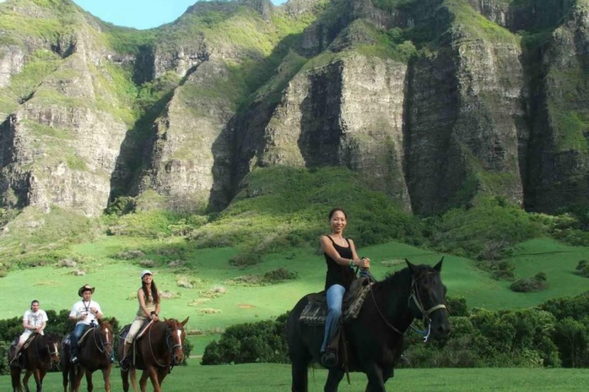 Southern California Ticket & Tour Center Kualoa Ranch Horseback Riding Tours