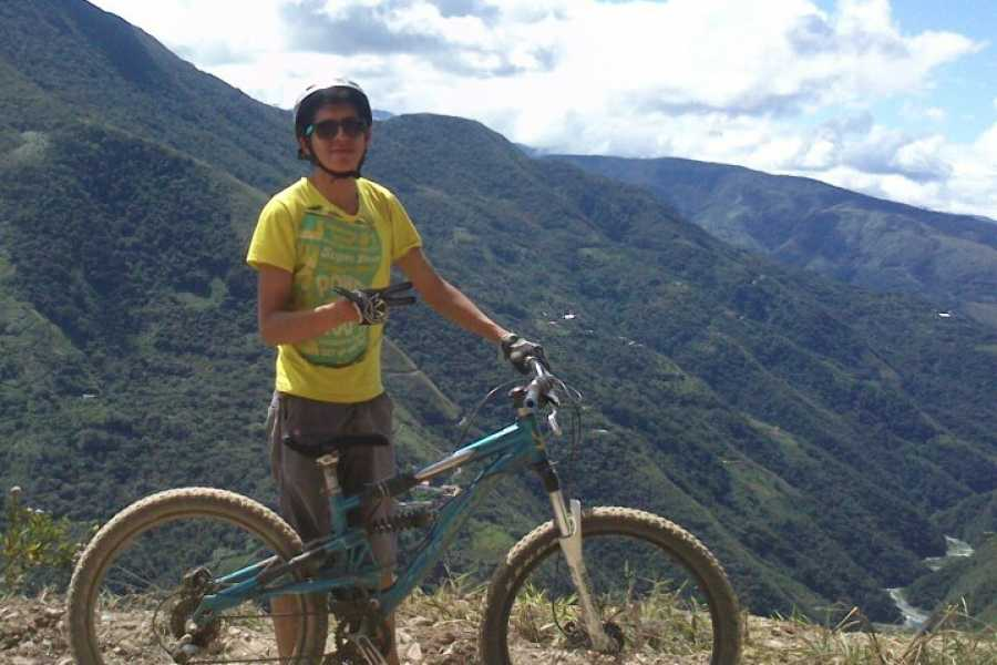 buhostours Death Road, Yungas (Biking)