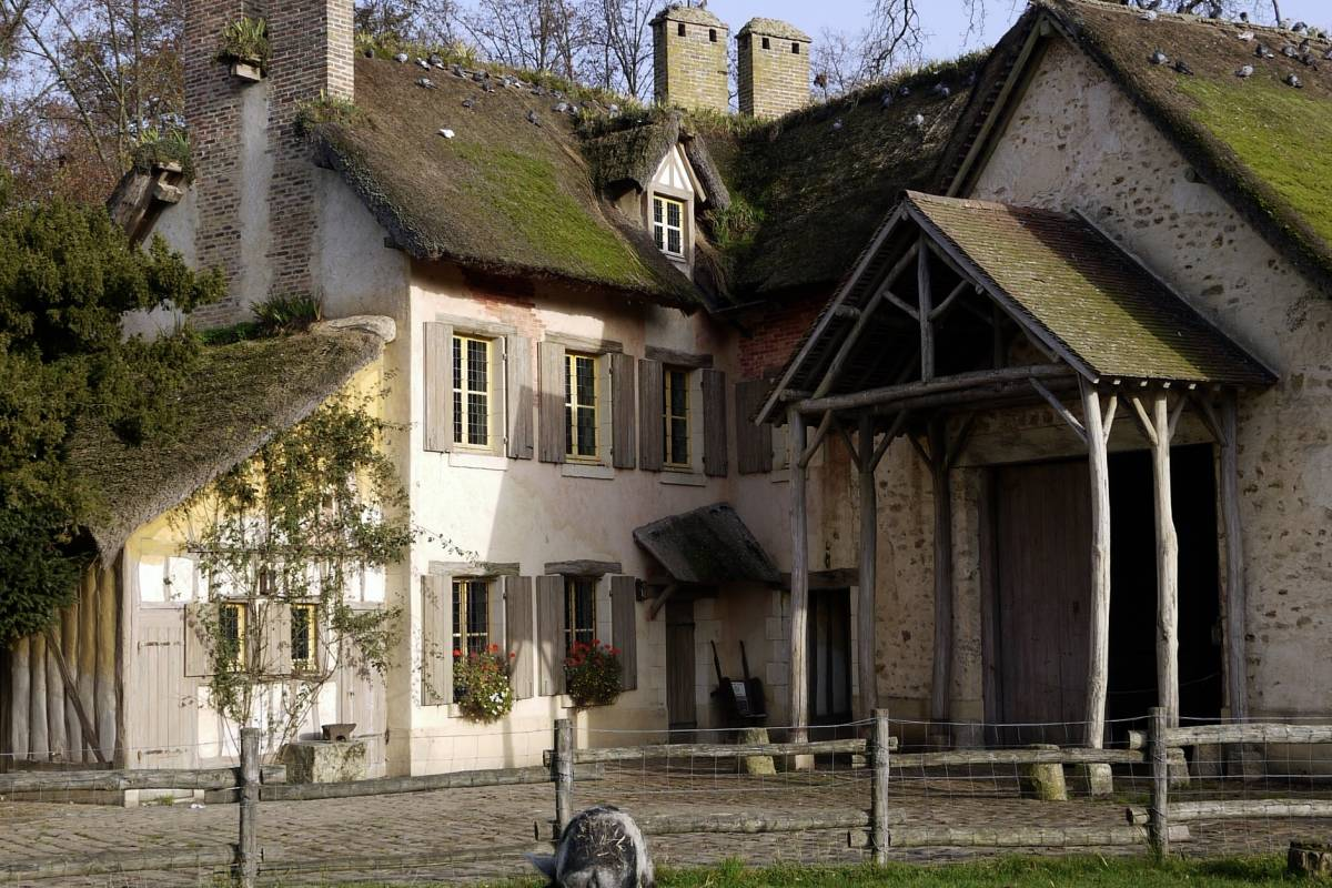 Memories DMC France Marie Antoinettes' Estate Afternoon