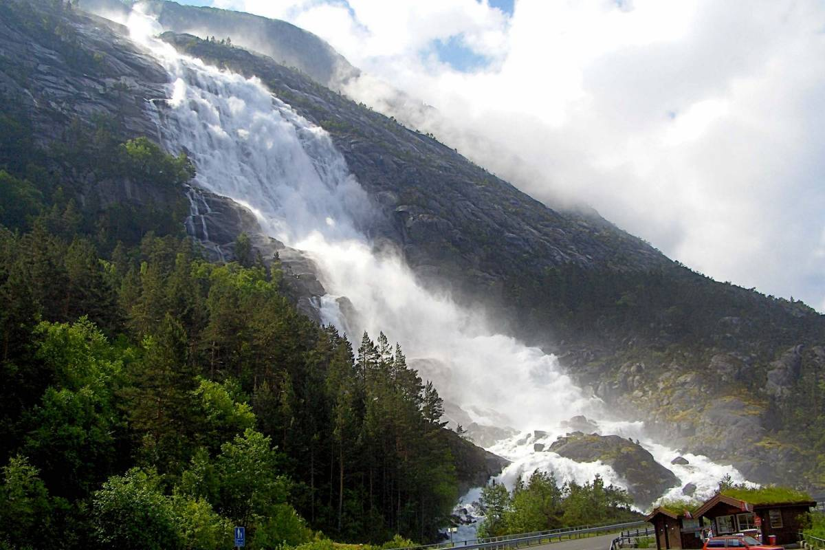 Åkrafjorden Oppleving AS Amazing waterfall, fjord and wilderness