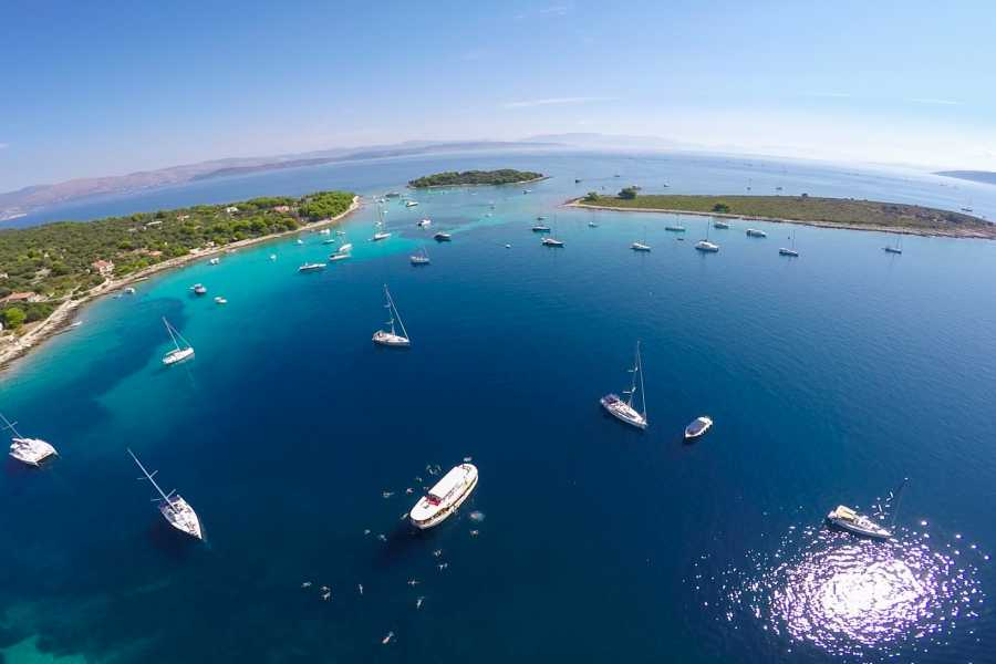 """Travel Agency"""" South Tours"""" SPEEDBOAT TRIP TO THE BLUE LAGOON FROM SPLIT OR TROGIR"""
