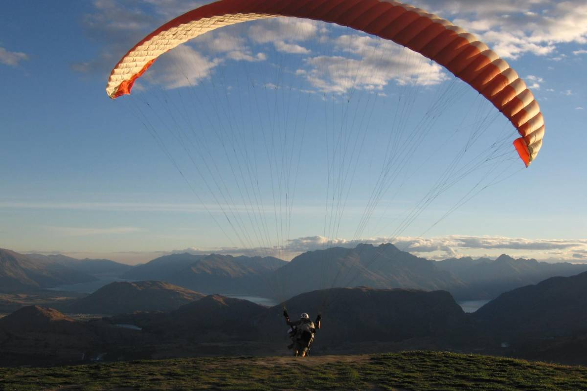 Swiss Paragliding & Adventure GmbH * Paragliding Beatenberg - Interlaken