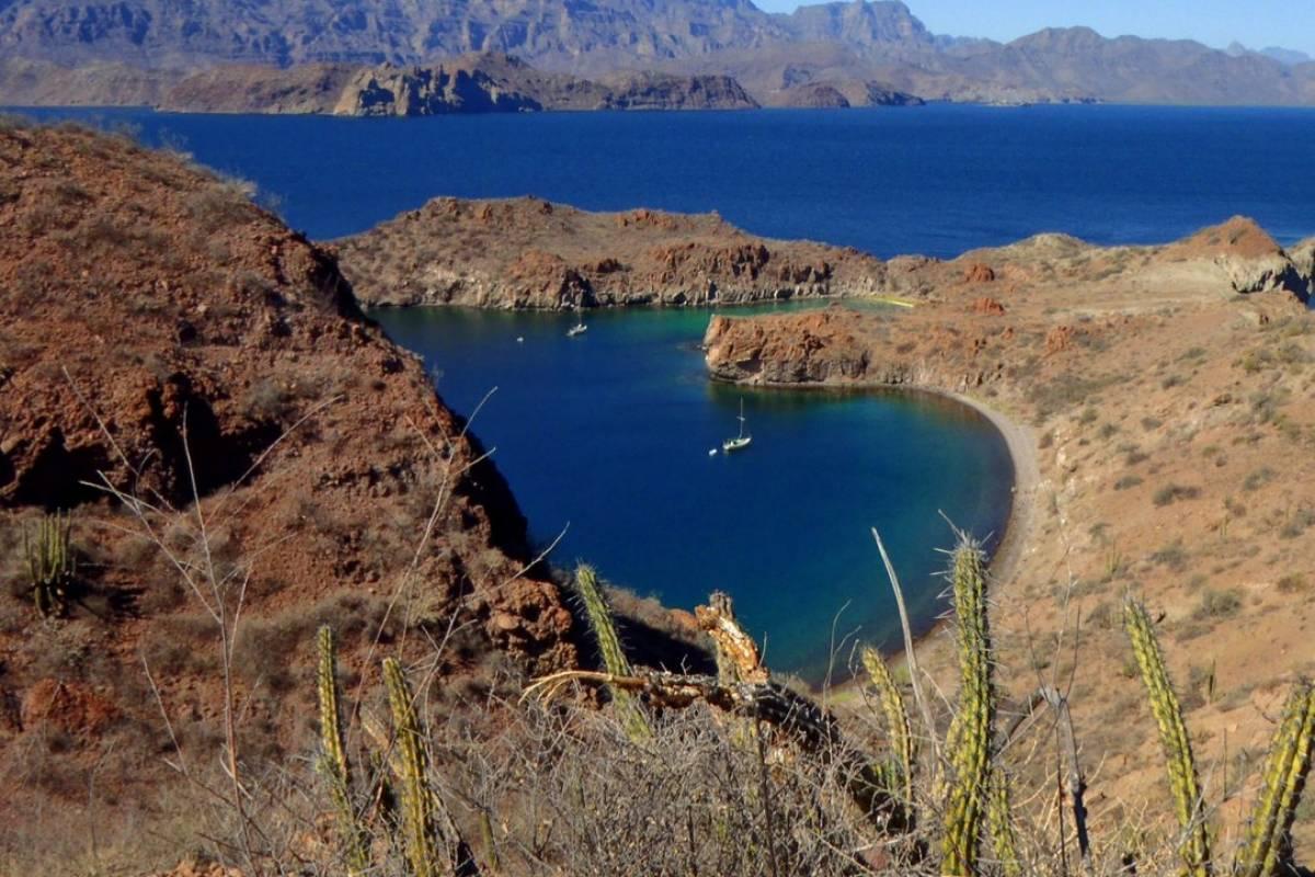 Baja Kayak Adventure Tours Ltd. South Islands - 6 Day Kayak Expedition