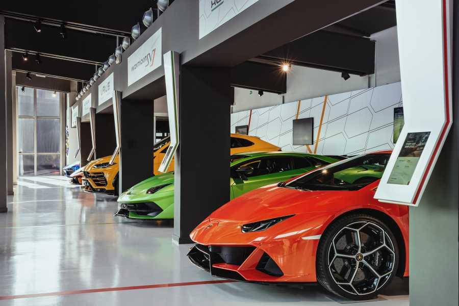 Bologna Welcome Lamborghini du Musée à la Fabrique