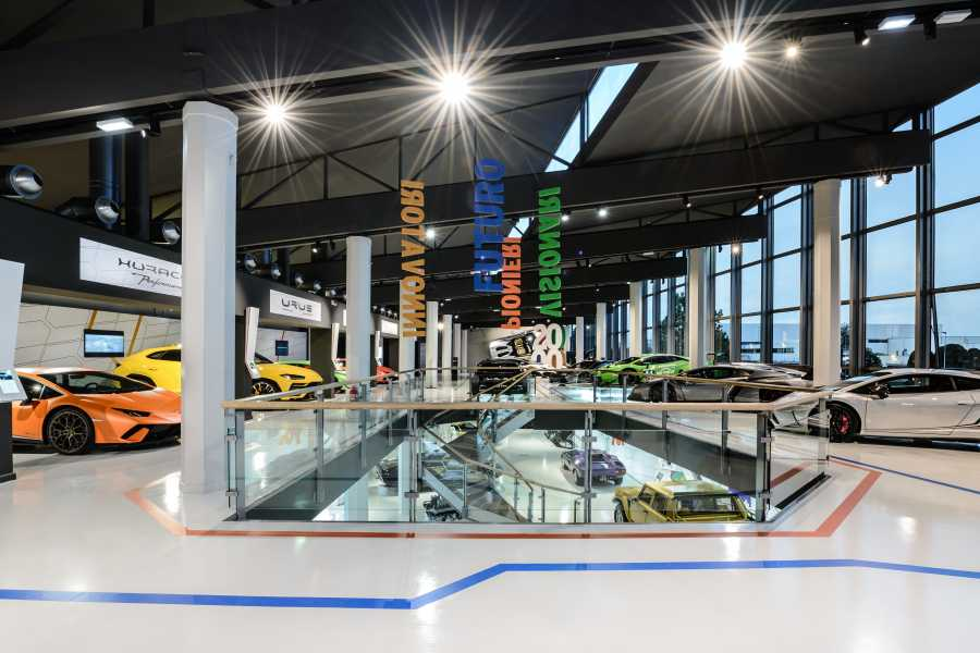 Bologna Welcome Lamborghini - Von Museum in die Fabrik