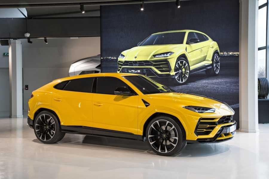 Bologna Welcome Lamborghini - Museum & Factory