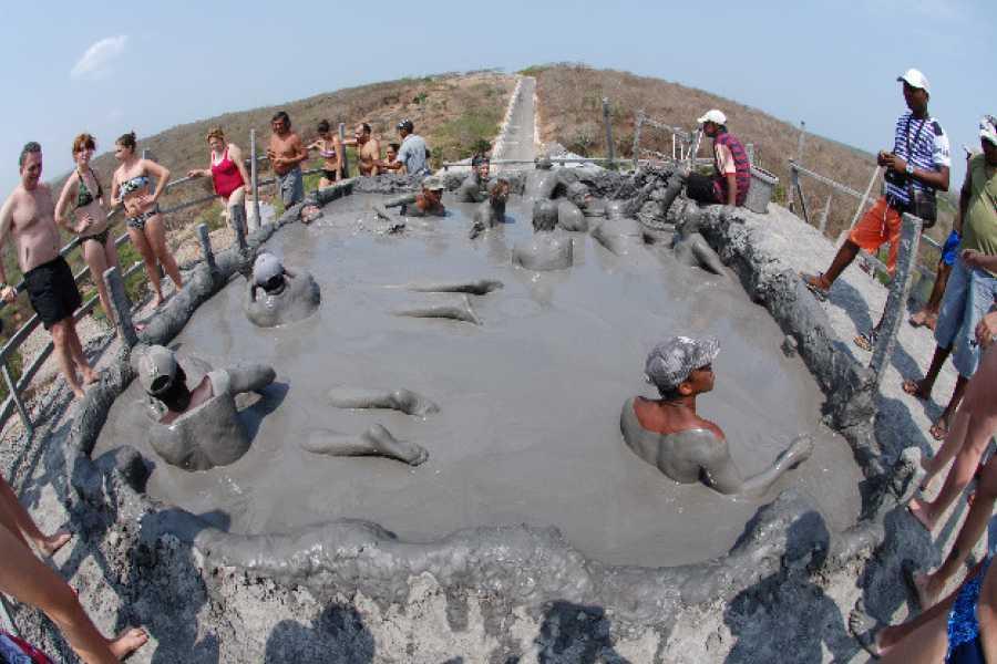 Backpackers 7. Volcán del Totumo - Baño de Lodo