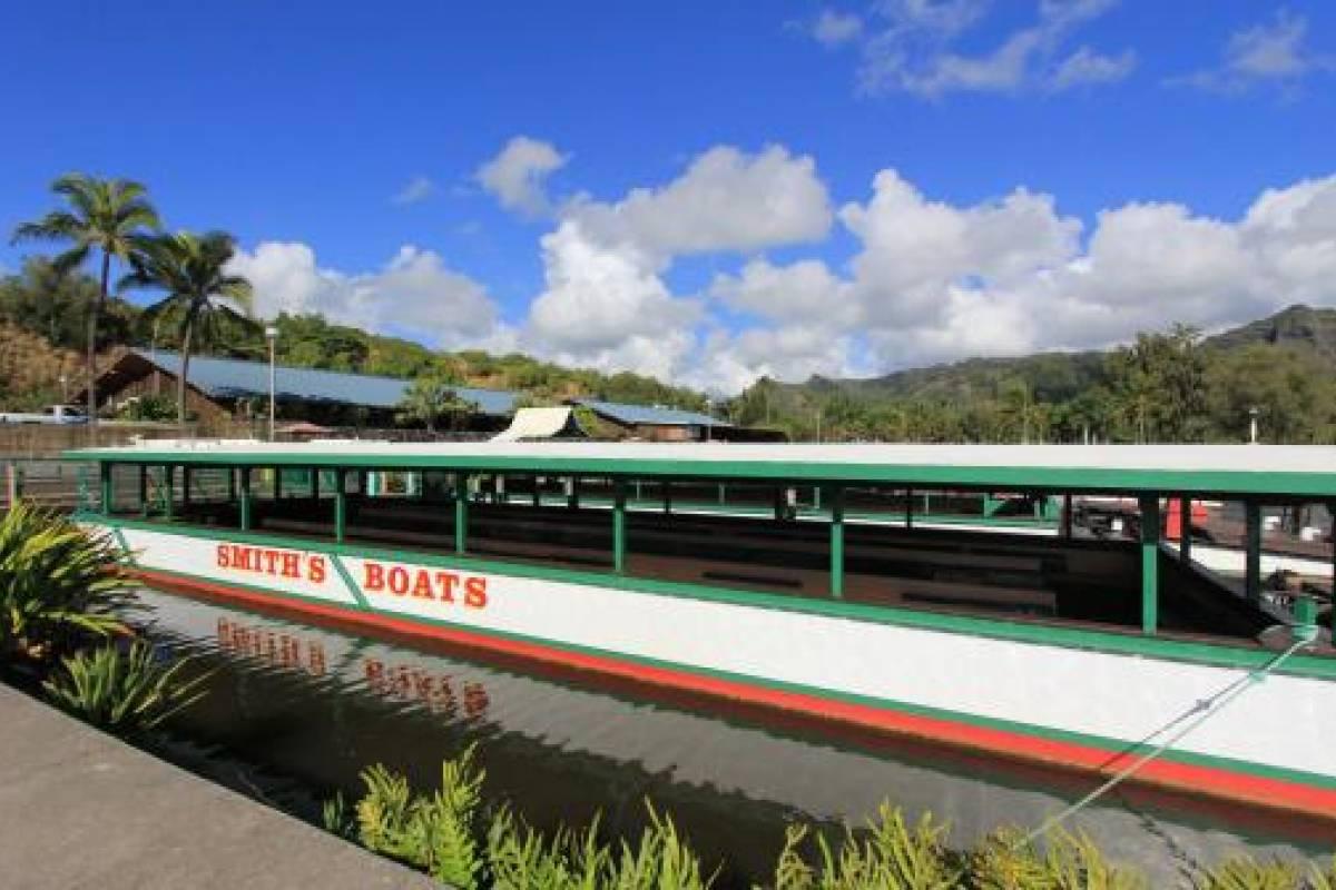 """Dream Vacation Builders Plan Aloha-3: 3 Nights/4 Days- """"Kauai-Waimea Canyon & Fern Grotto Tour"""" Package"""
