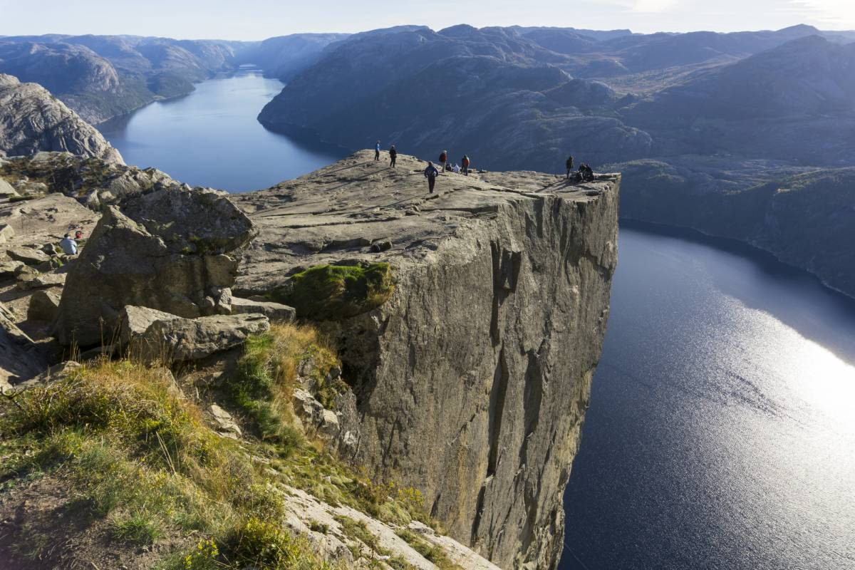 Outdoorlife Norway AS Autumn Hike to Preikestolen