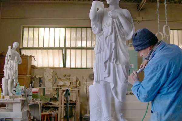 (VIP) Sculptor magne, aedifica imperium sine fine!