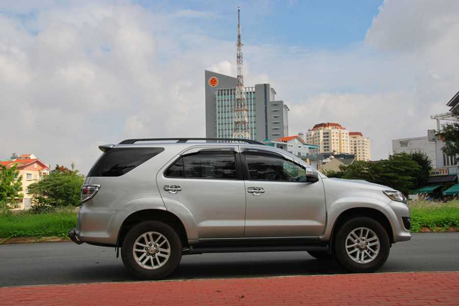 Viet Ventures Co., Ltd Rent a car with driver in Ho Chi Minh City