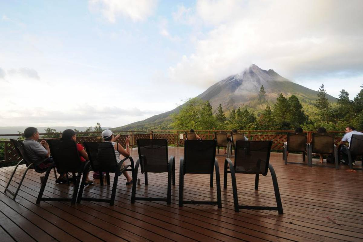 Tour Guanacaste Arenal Observatory Lodge and Hot Springs