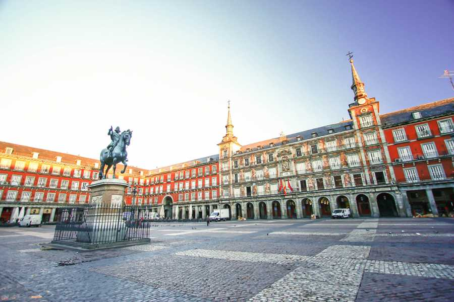 SANDEMANs NEW Europe Madrid Appetiser Private City Tour