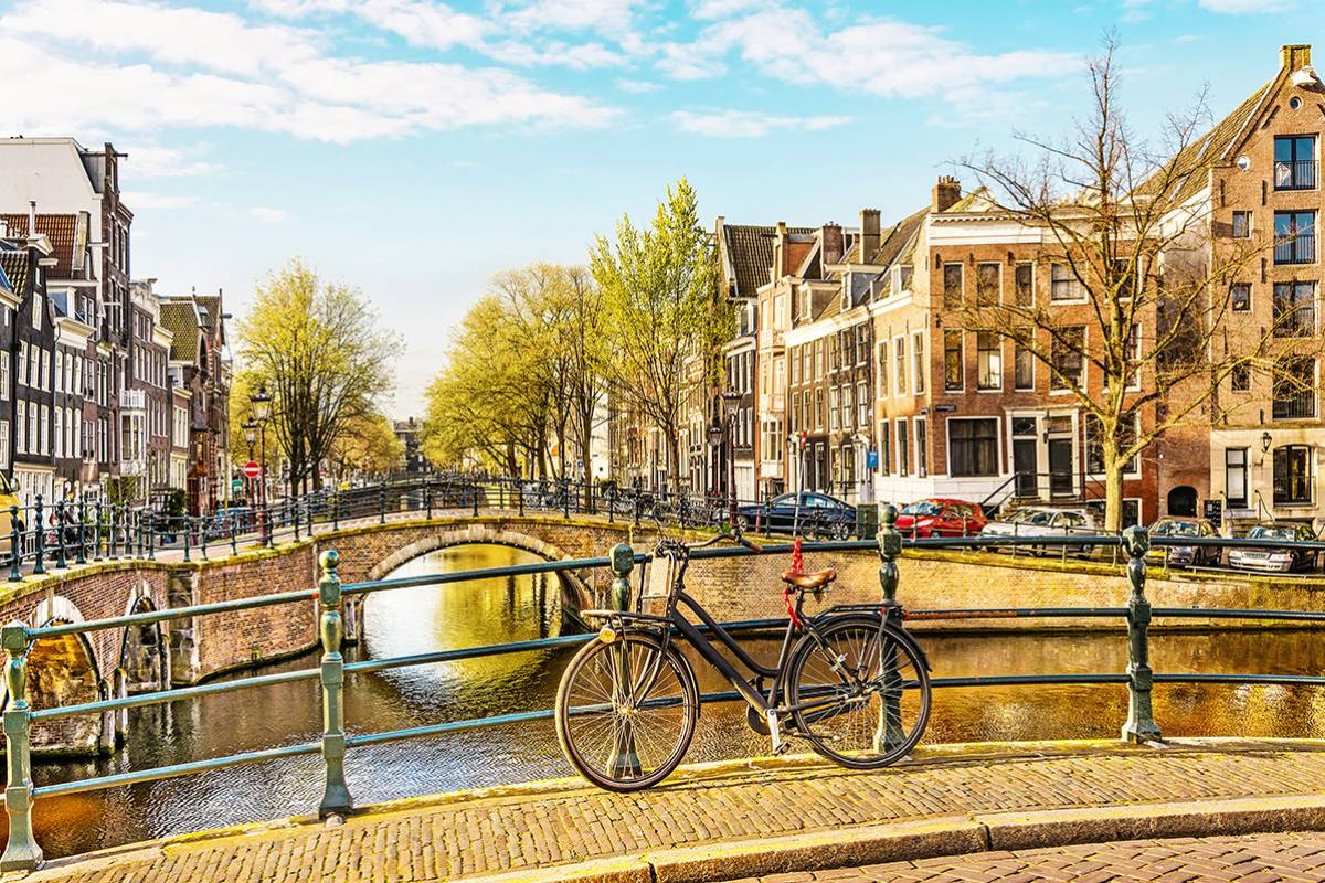 SANDEMANs NEW Europe Amsterdam General Private City Tour