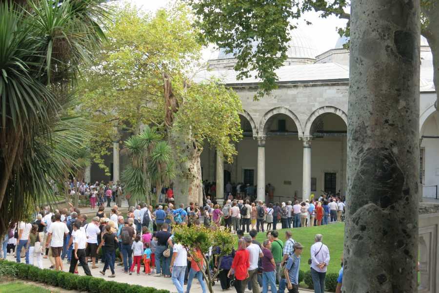 walks in europe Istanbul City Pack