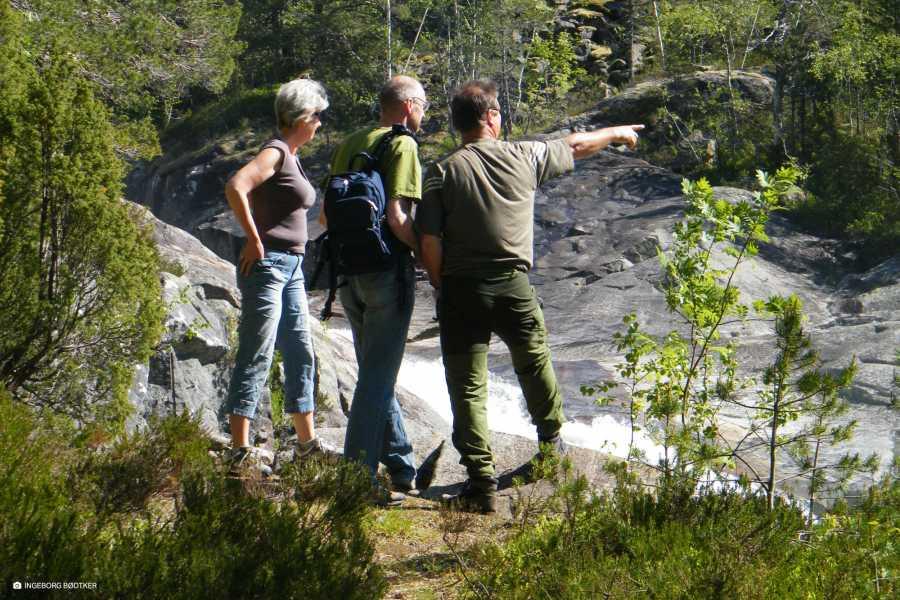 Åkrafjorden Oppleving AS Botanisk vandring med Jan Rabben