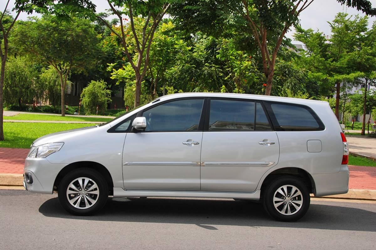 Viet Ventures Co., Ltd Location de voiture mensuelle avec chauffeur à Ho Chi Minh-Ville