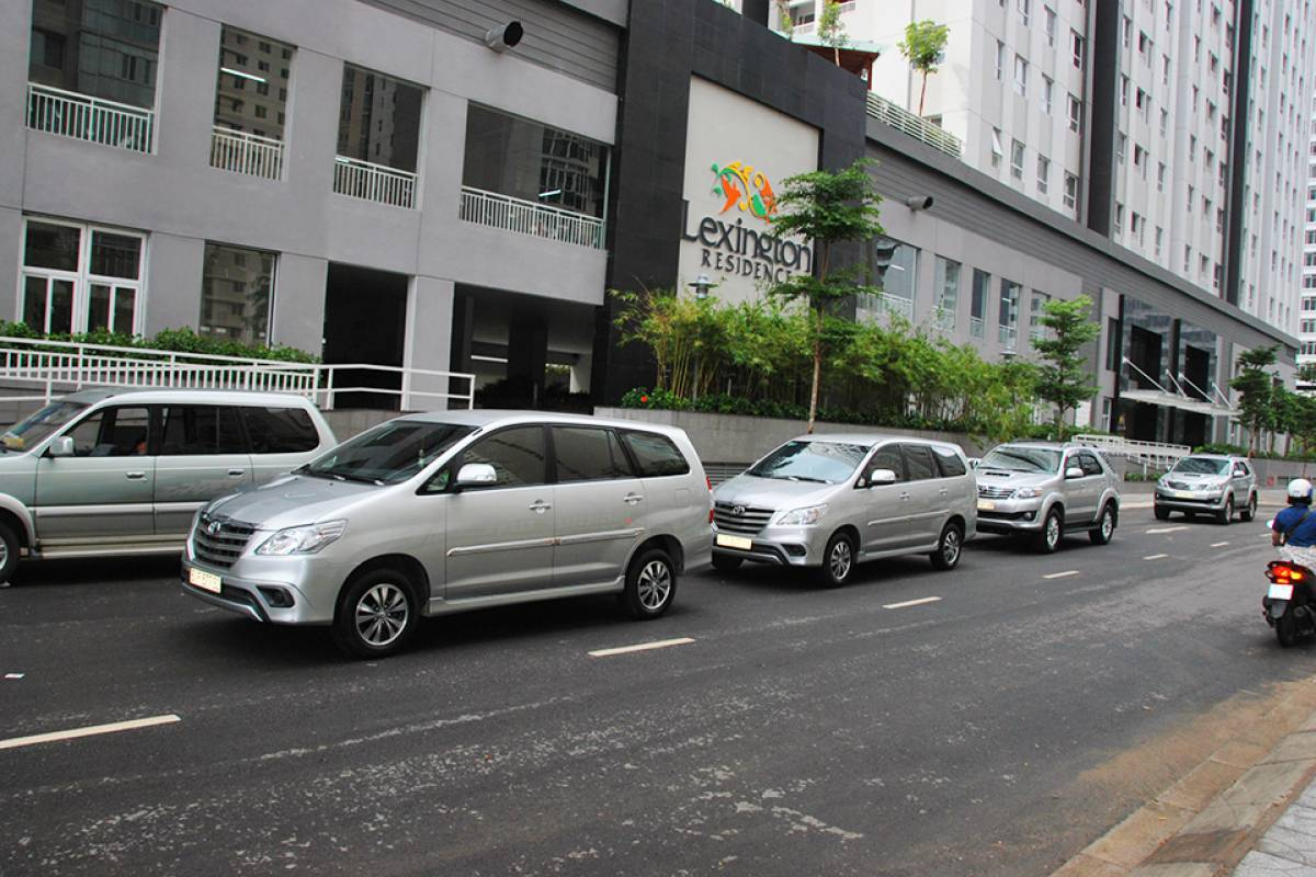 Viet Ventures Co., Ltd Monthly car rental with driver in Ho Chi Minh City