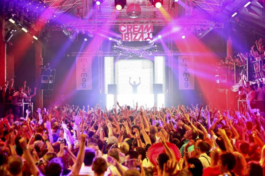 Bus2Alps AG Ibiza Spring Break Weekend